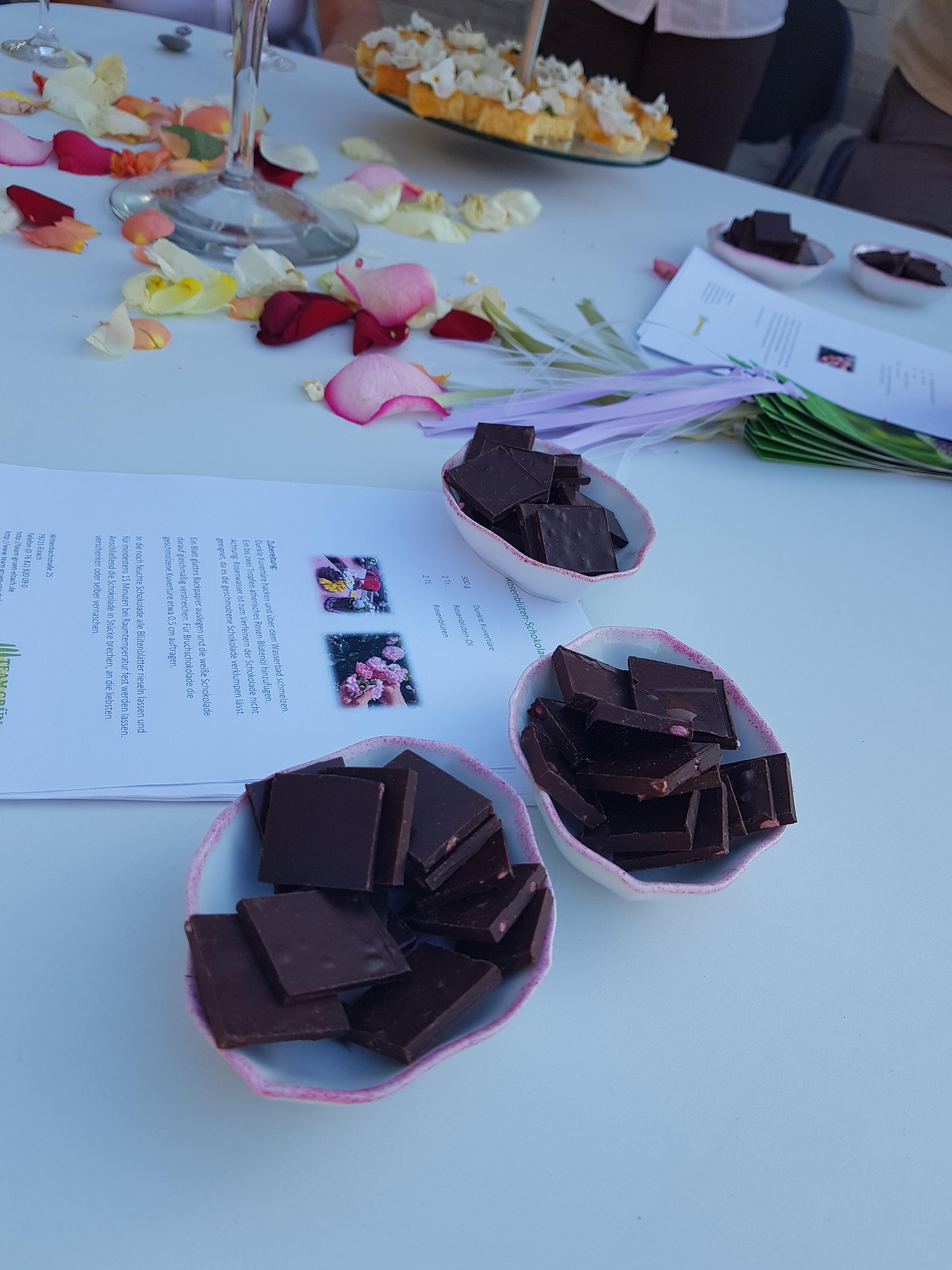 Rosenblüten-Schokolade