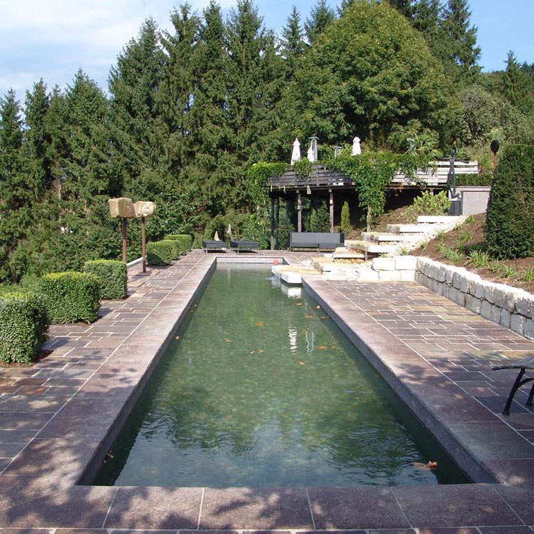 Exklusiver Garten in Hanglage